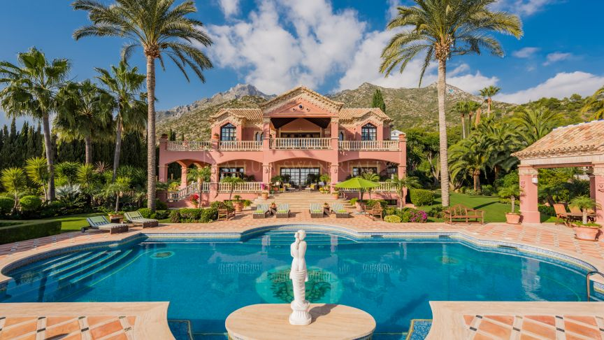 Marbella Golden Mile, Imposing Mansion in Marbella Sierra Blanca with open sea and mountain views