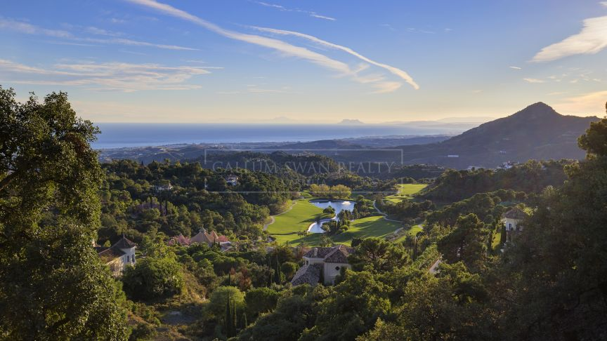 Benahavis, Stunning plot with sea views in la Zagaleta