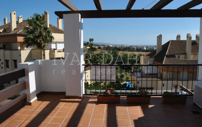 Apartment with sea views and large terrace on the Golden Mile, marbella