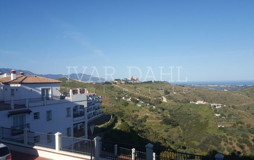 Apartment for sale in Las Palmeras, Calahonda, Mijas-Costa, Malaga.