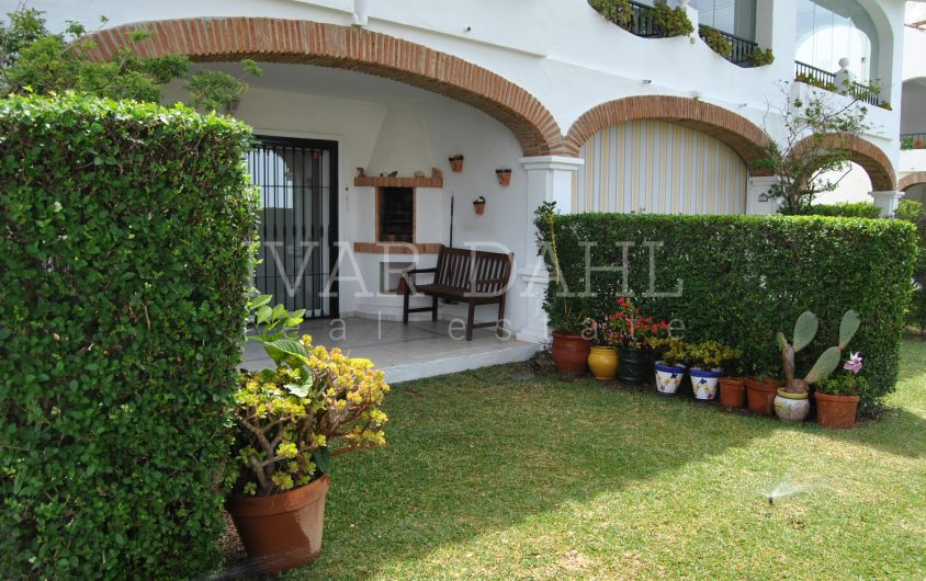 Townhouse with sea and golf views for sale in Calahonda, Mijas-Costa