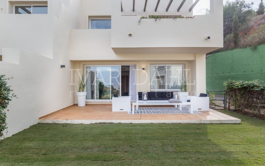 New garden apartments and penthouses is La Mairena, Ojen, Marbella