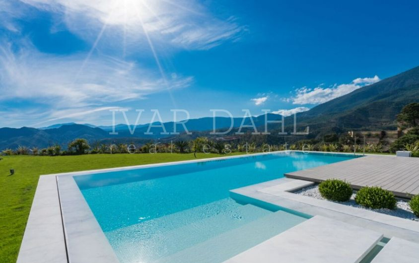 Villa for sale in La Zagaleta, Benahavis