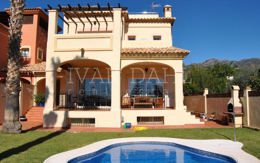 House close to all amenities in a residential area of Marbella