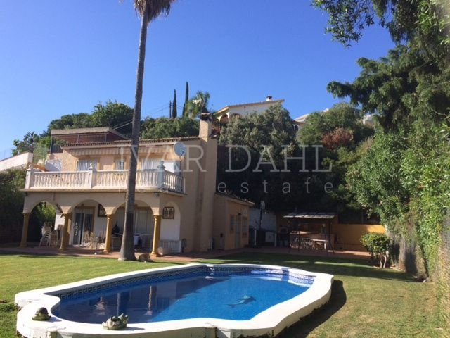 Villa in the Urb. El Rosario, east Marbella.
