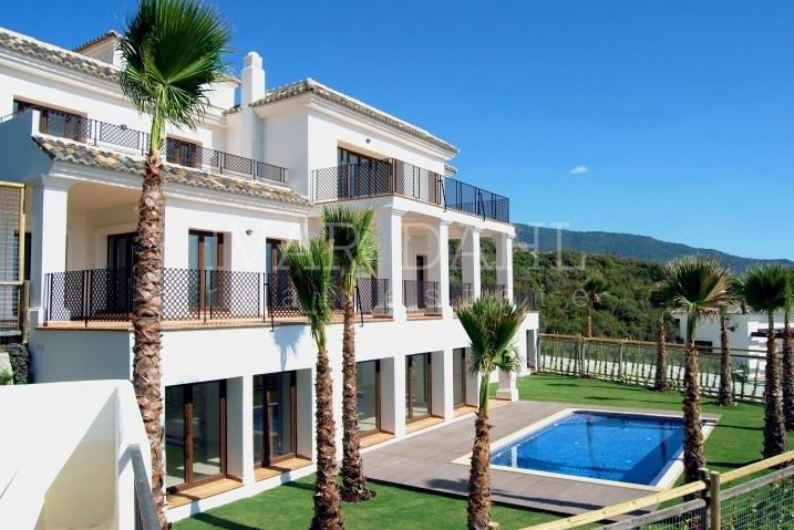 Benahavis, New Villas with breathtaking sea views
