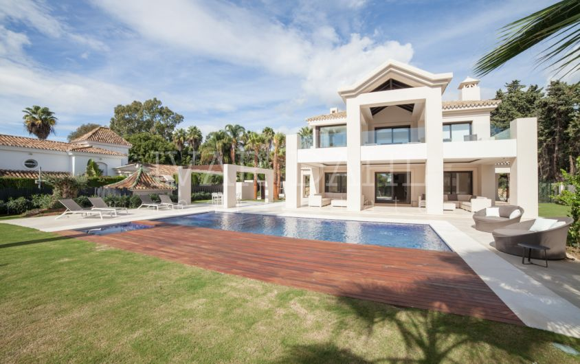 Beachside, new Villa, luxury living in Marbella, Golden Mile