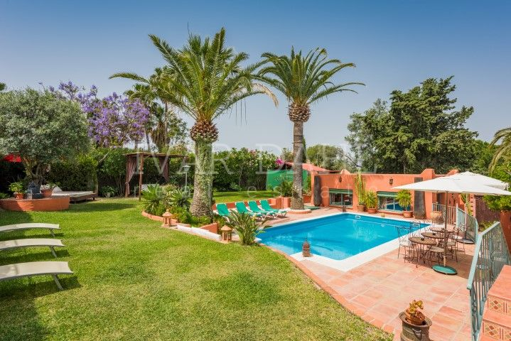 Villa in residential area of Marbella.