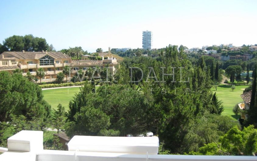 Apartment in Rio Real next to golf course, Marbella East