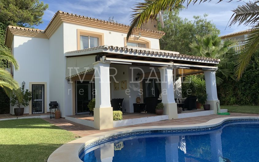 Lovely family Villa for sale in Sitio de Calahonda, Miijas-Costa