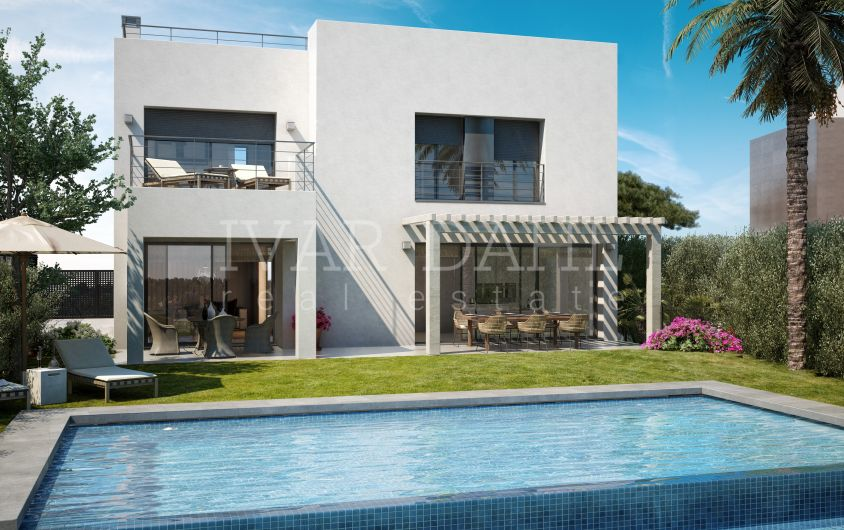 Vistas de La Resina, New residential complex of 15 villas with modern Design in Golf area of Estepona