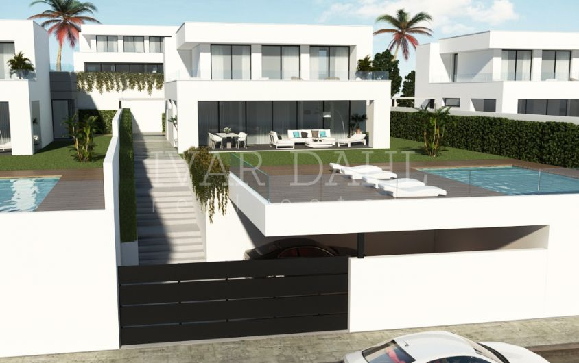 Duquesa Villas Golf & Beach, New modern villas for sale in Manilva, west Estepona, Costa del Sol
