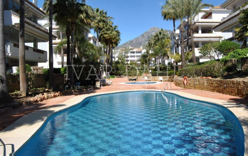 Beach side apartment for sale in Marbella, Golden Mile