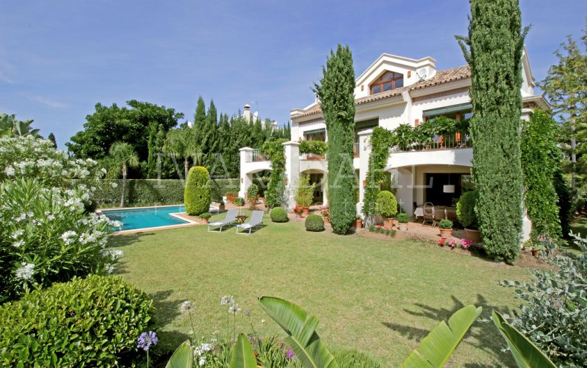 Villa for sale in Balcones de Sierra Blanca, Marbella Golden Mile