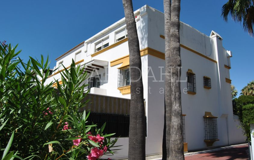 Townhouse for sale in Marbellamar, Marbella's Golden Mile beach