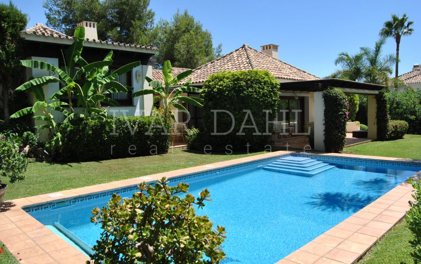 4 bedrooms Villa for sale in Altos Reales, Marbella, Costa del Sol
