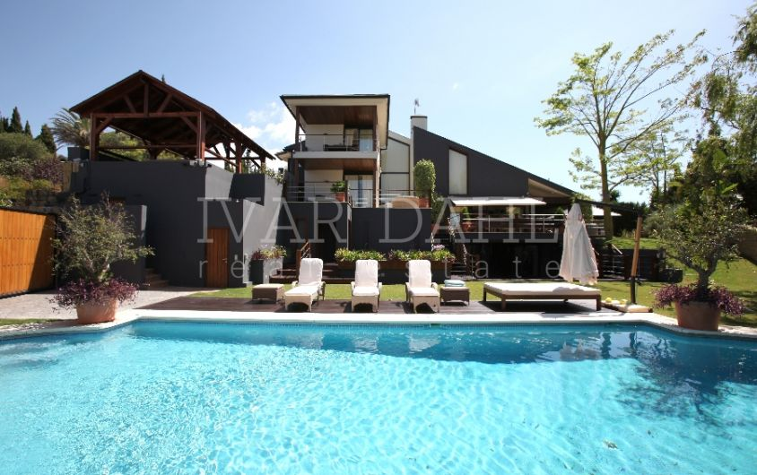 Modern villa in Nueva Andalucia, Marbella, high quality. large swimmingpool,