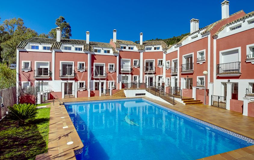 Townhouses in Benahavis Village for sale