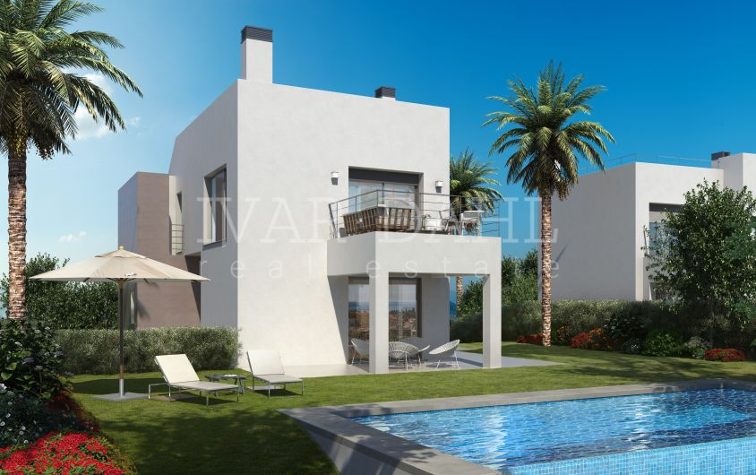 New modern villas for sale on golf course in Estepona