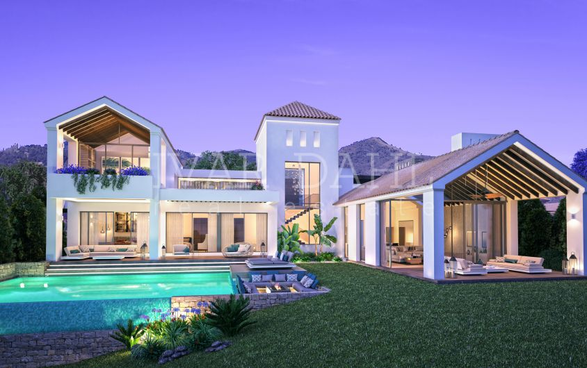 New front line golf villas for sale in Estepona