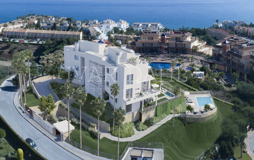 New modern 2 bedroom apartment for sale with sea views for sale in Mijas-Costa, Malaga.