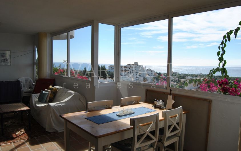 Apartment with sea views for sale in Sitio de Calahonda, Mijas-Costa, Malaga