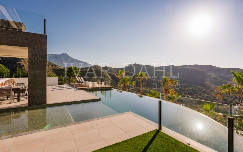 New Build Contemporary Designer Villa in La Quinta, Benahavis