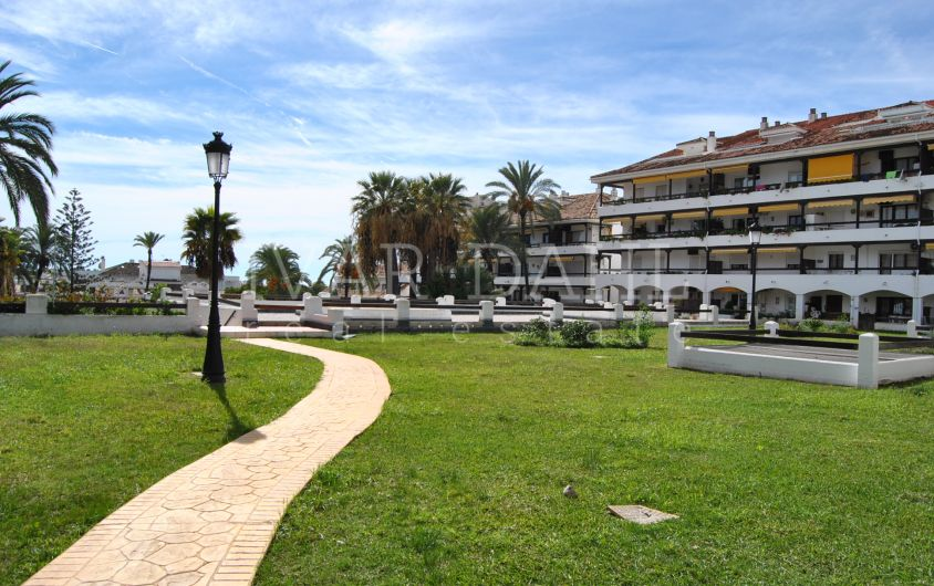 Renovated apartment for sale in La Carolina, Golden Mile, Marbella