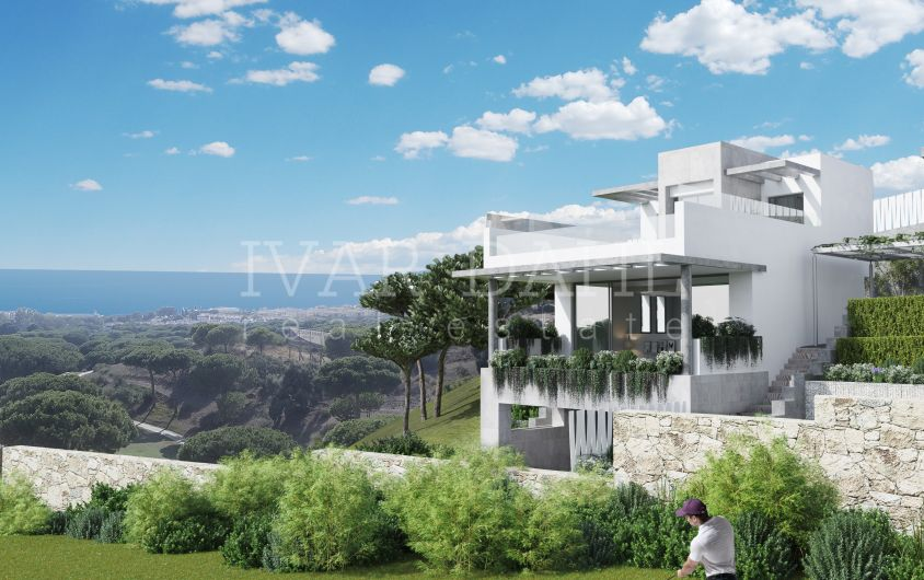 Marbella, Cabopino, new modern golf town houses with sea views