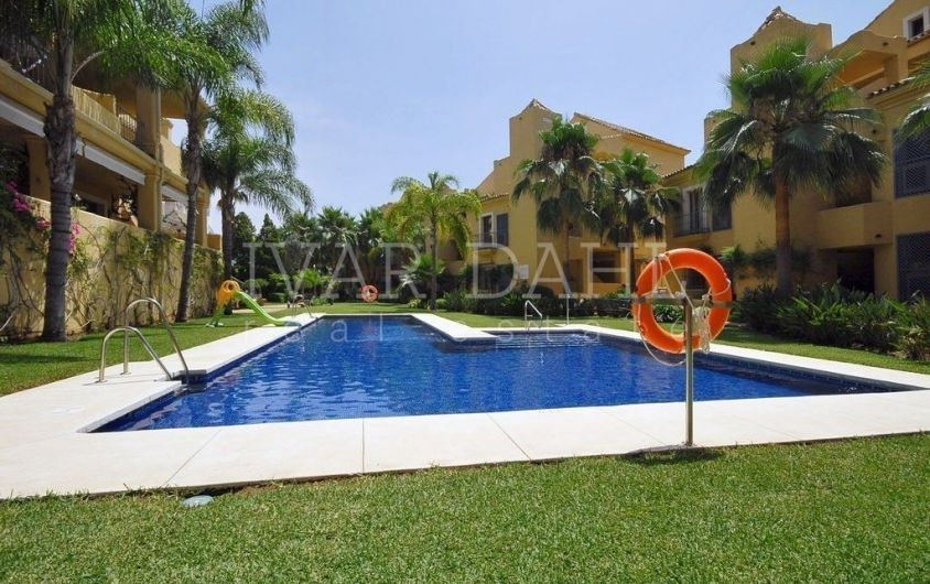 Three bedroom apartment with sea views for sale in Nagueles, Marbella