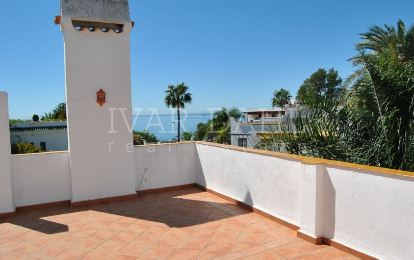 Townhouse for sale in Urb. Marbellamar, Marbella's Golden Mile beach
