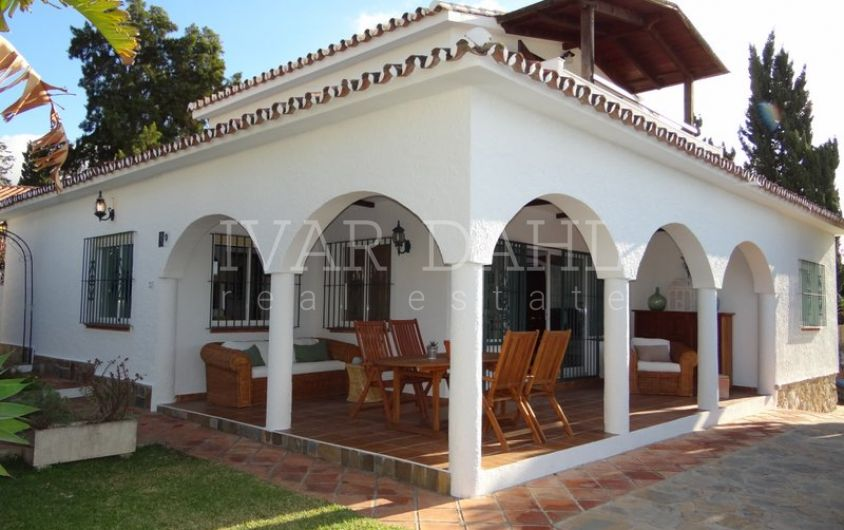 Villa in Costabella, Marbella East, 3 minutes walk from the beach