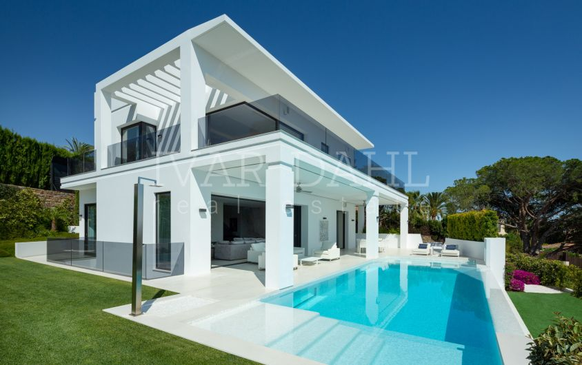Modern, new luxury villa with sea views in Nagüeles, Marbella