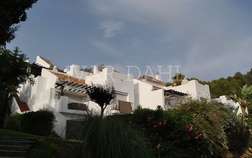 Townhouse for sale within natural park in Zahara de Istan, near Marbella