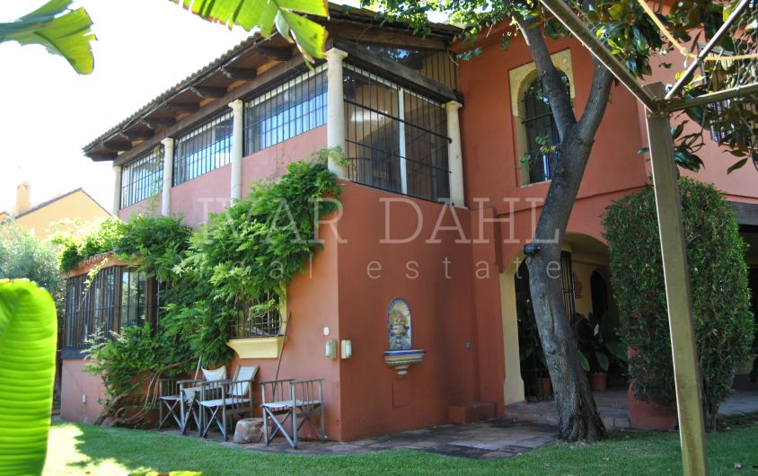 Charming rustic villa for sale in Marbella center