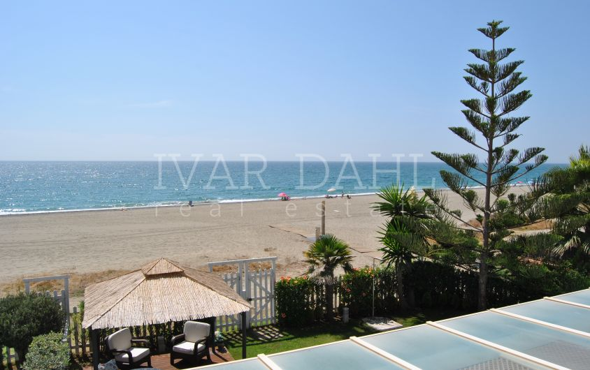 Semi-detached house for sale on the beachfront in Estepona