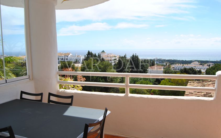 Apartment with sea views in El Puente , Urb. Sitio de Calahonda, Mijas-Costa.
