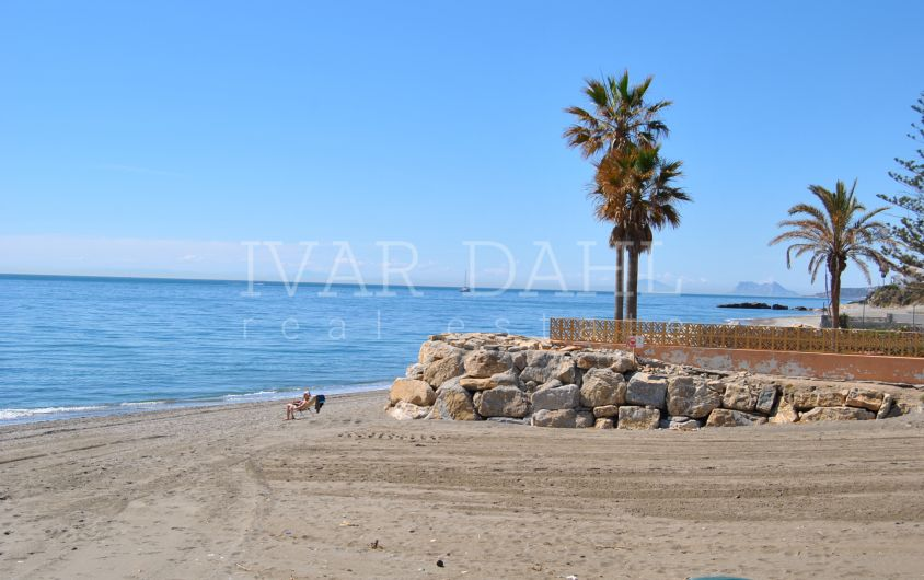 Brand new apartment on the beach of Estepona, ready to move in