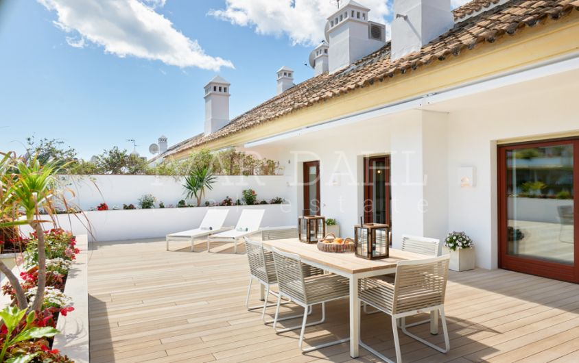 Duplex penthouse for sale on the Golden Mile, Marbella, Costa del Sol