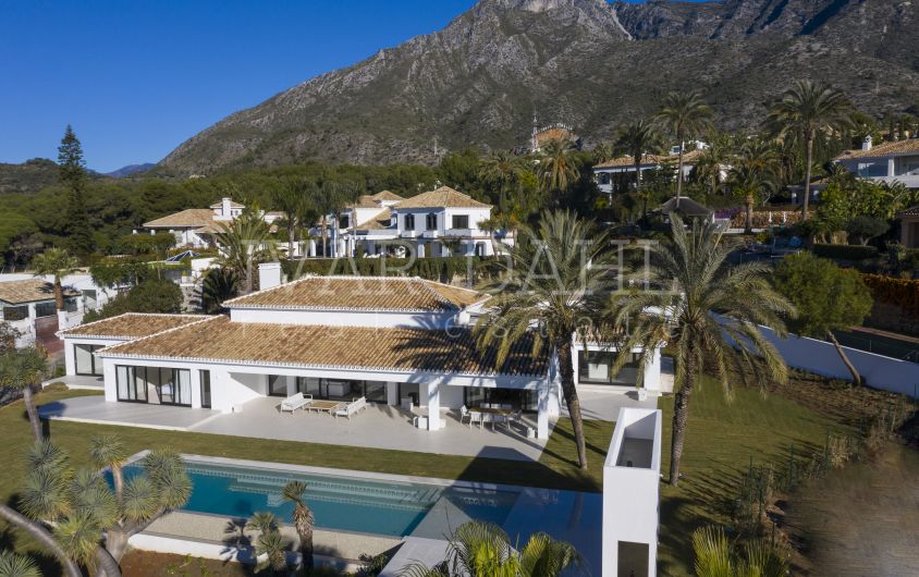 Totally reformed Villa with sea and mountain views in Sierra Blanca, Marbella
