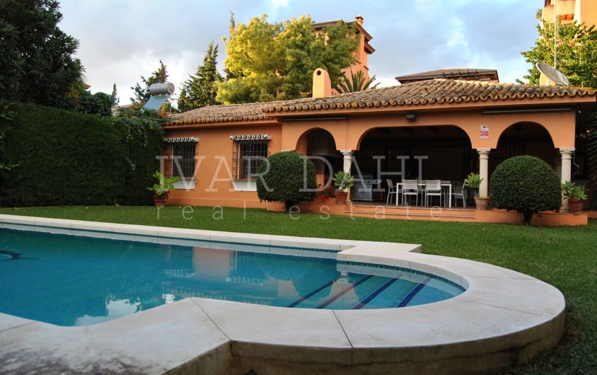 Villa for sale in El Paraiso Barronal, Estepona, Costa del Sol