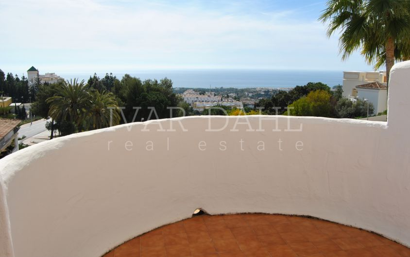 Apartment with open sea views in Calahonda, Mijas-Costa, Málaga