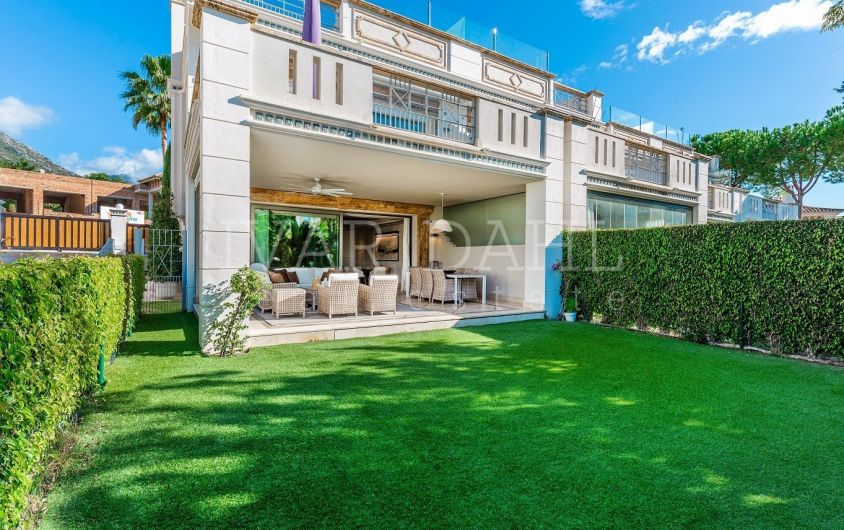 High class Townhouse for sale in Urb. Sierra Blanca, Marbella