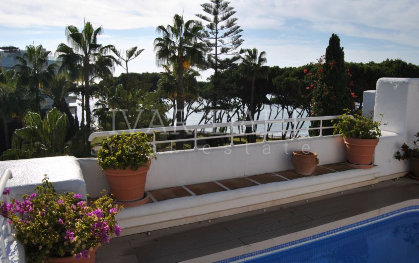 Beachfront Penthouse in Alhambra del Mar, Golden Mile, Marbella