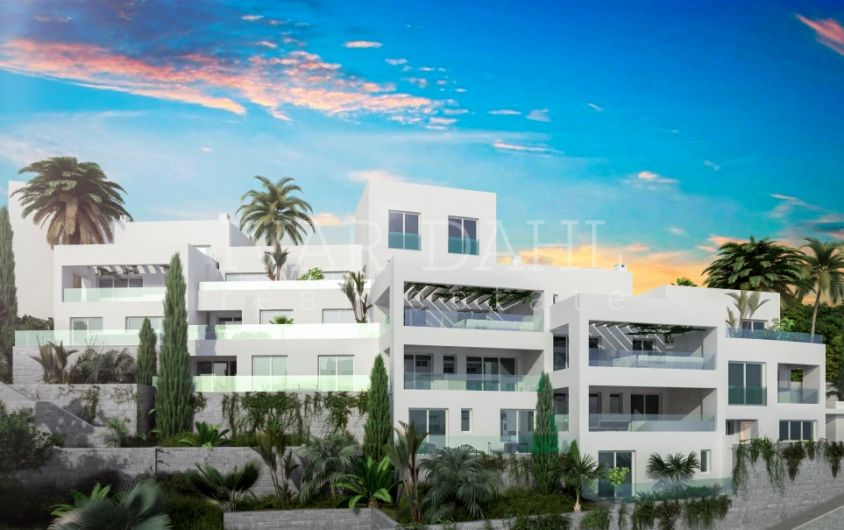 New 3 bedroom Penthouse with sea views in Marbella East