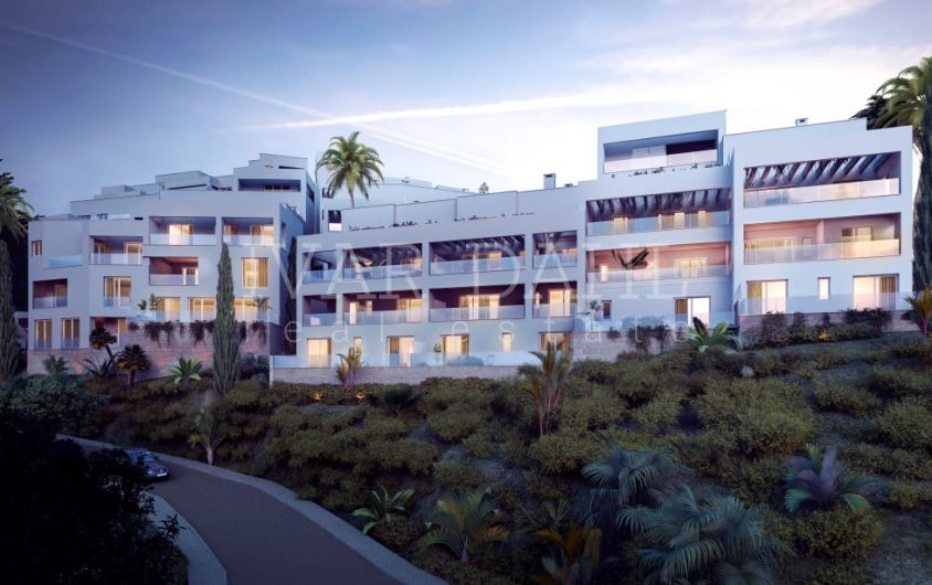 New 2 bedroom Penthouse with sea views in Marbella East
