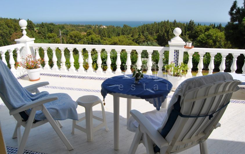 Villa with pleasant sea views and to green surroundings in El Chaparral, Mijas-Costa, Málaga