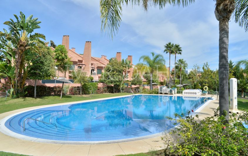 Spacious townhouse close to Los Monteros beach, Marbella East