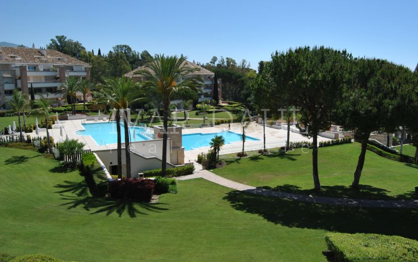 Luxury apartment for sale in La Trinidad, Golden Mile, Marbella