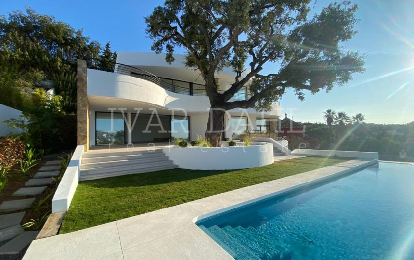 New contemporary villa for sale in Elviria, east Marbella, Costa del Sol